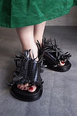 MM6 MAISONMARGIELA /FRINGE TRIM SANDALS