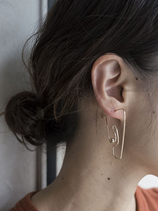 knobbly studio/Deconstructed Nude Earring