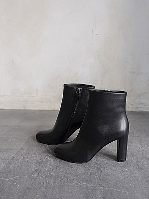 DEL CARLO /  leather short boots [SALE]