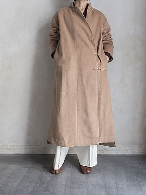 WRYHT/ASYMMETRY FRONT REVERSIBLE ORIENTAL COAT