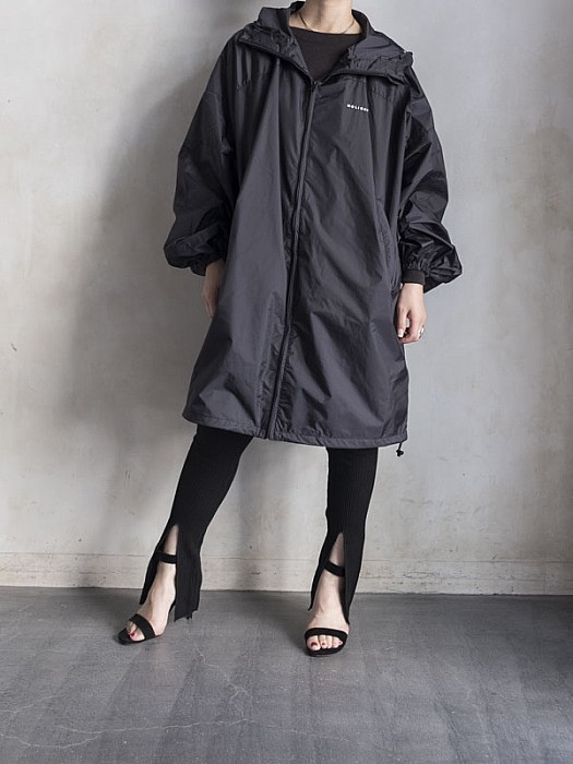HOLIDAY/WATERPROOF WIND DRESS