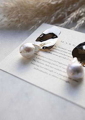 MARGE /Baroque pearl Pierce